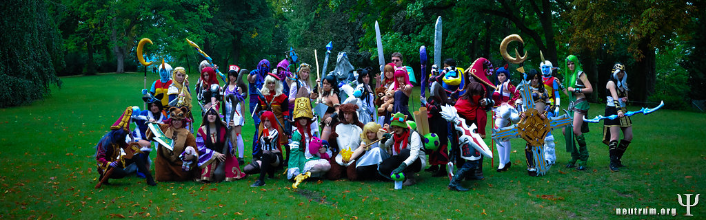 NEUTRUM-September-13-2013-Connichi2013-Cosplay-Panorama.JPG